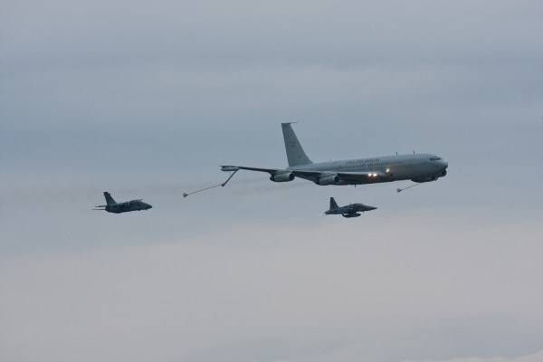 Boeing KC-137 (707) - FAB 2402 (1)