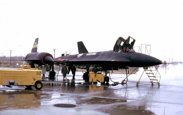 "Lockheed YF 12A Artigo 1002 60 6935 – James C. Goodall Collection 4 600x378 - ""A"" de ataque: Lockheed A-12 OXCART, o pai do SR-71 Blackbird - Parte 6"