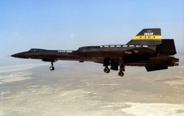 "Lockheed YF 12A Artigo 1002 60 6935 1975 – James C. Goodall Collection 600x377 - ""A"" de ataque: Lockheed A-12 OXCART, o pai do SR-71 Blackbird - Parte 6"