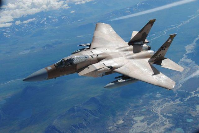 F-15_bela tomada aérea