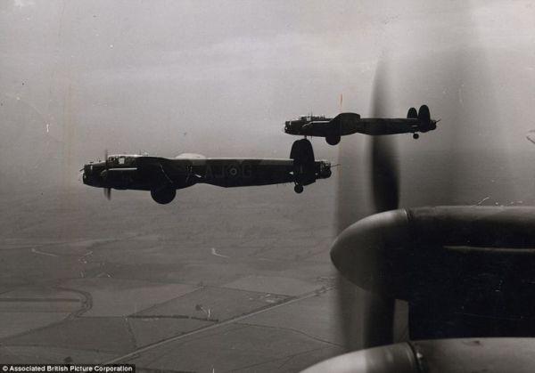 Avro 683 Lancaster, o melhor bombardeiro britânico pesado da Segunda Guerra Mundial.