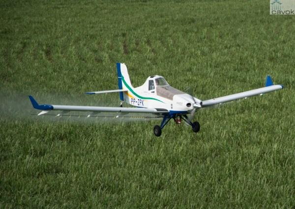 O avião agrícola Ipanema 203. (Foto: Embraer)