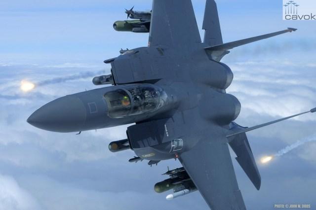 McDonnell Douglas F-15E Strike Eagle, Foto - John Dibbs (1)