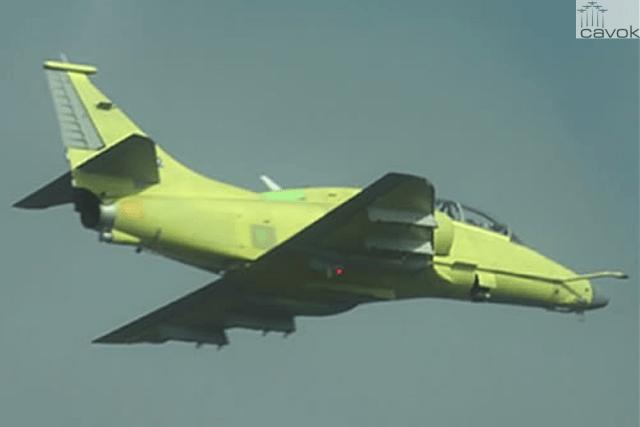 Aeronave AF-1C N-1022, protótipo biposto, em voo realizado nas instalações da Embraer, em Gavião Peixoto-SP
