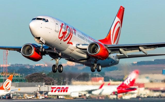 GOL Transportes Aéreos Boeing 737 700 PR VBP Foto Ricardo Hebmüller - BRASIL: Em crise, cias aéreas devem ter primeira retração em 13 anos