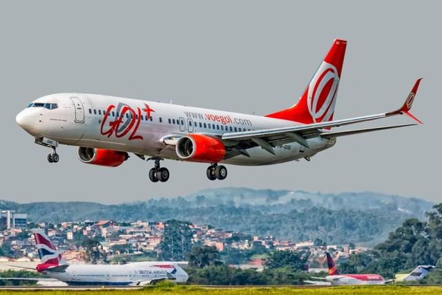 GOL Transportes Aéreos Boeing 737 800 PR GUG Foto Ricardo Hebmüller - BRASIL: Em crise, cias aéreas devem ter primeira retração em 13 anos