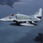 EXCLUSIVO: Em resposta a rumores infundados, Marinha do Brasil se diz amplamente satisfeita com a modernização dos Skyhawk