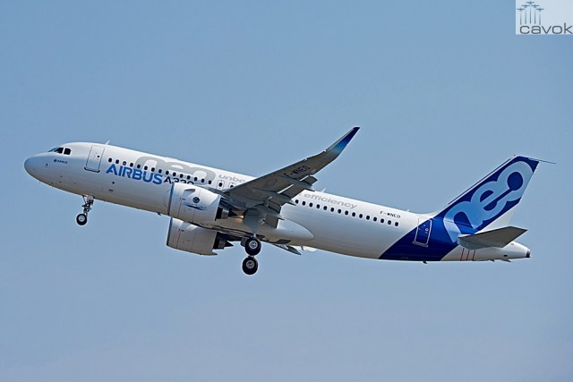 A320neo_first_flight_take_off_2_F-WNEO