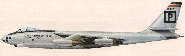 No auge da Guerra Fria, esses aviões formaram a força principal da grande frota de bombardeiros do Comando Aéreo Estratégico dos Estados Unidos. Muitos foram transformados em aviões de reconhecimento.