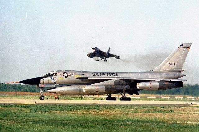 B 58 1 - Bombardeiros do pós-guerra: Convair B-58 Hustler