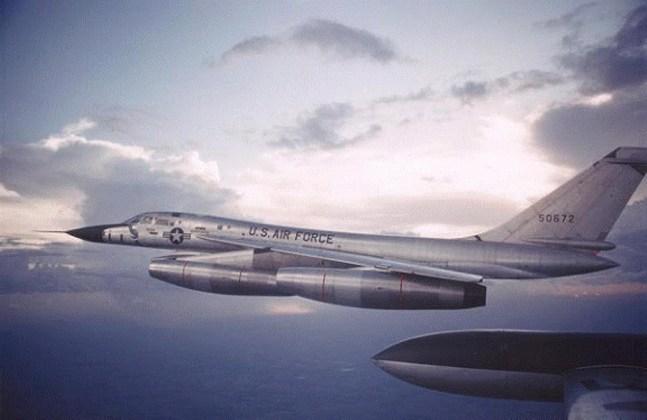 B 58 7 - Bombardeiros do pós-guerra: Convair B-58 Hustler