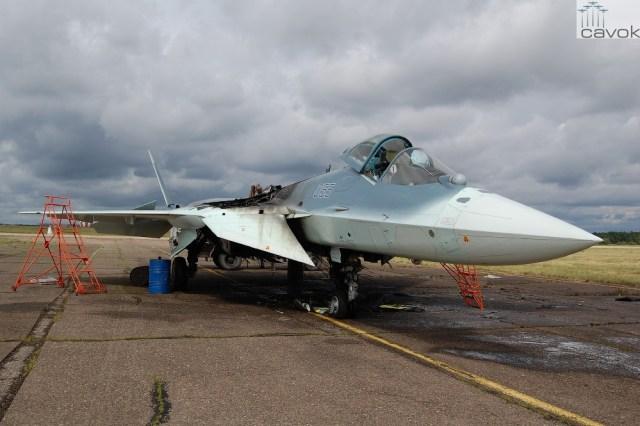 Sukhoi PAKFA T-50-5 incêndio em 10-06-2014