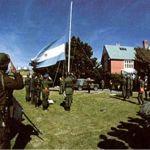 2 de Abril de 1982: Argentina invade as Falklands