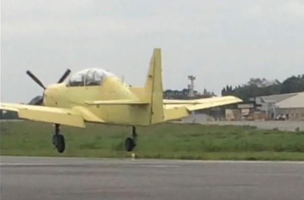 A aeronave de treinamento HTT-40 realizou o primeiro voo no dia 31 de maio. (Foto: HAL)