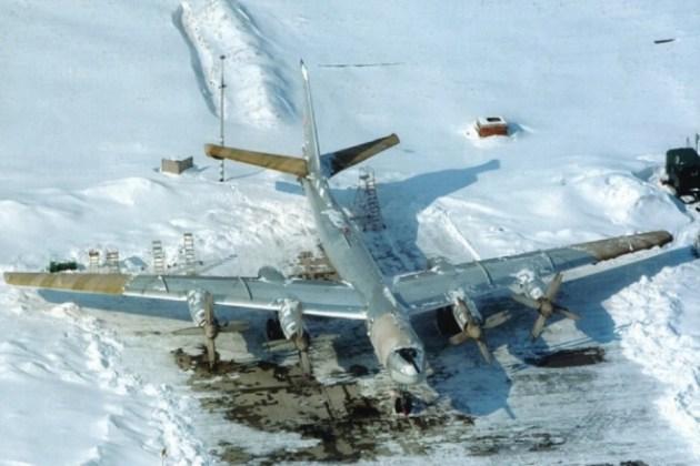 "Tu 95 neve - Bombardeiros do pós-guerra: Tupolev Tu-95 ""Bear"""