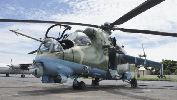 O primeiro helicóptero Mi-35 do Senegal, já equipado com o novo sensor eletro-óptico israelense. (Foto: Controp)