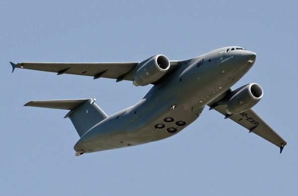 Aeronave Antonov An-178, fabricada na Ucrânia. (Foto: Vasiliy Koba)