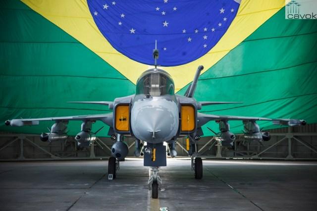 Gripen NG Mock up SGT Rezende FAB - Propina a jato: Ministério Público e Polícia Federal entendem que pode ter havido irregularidade na compra dos 36 caças Gripen para a FAB