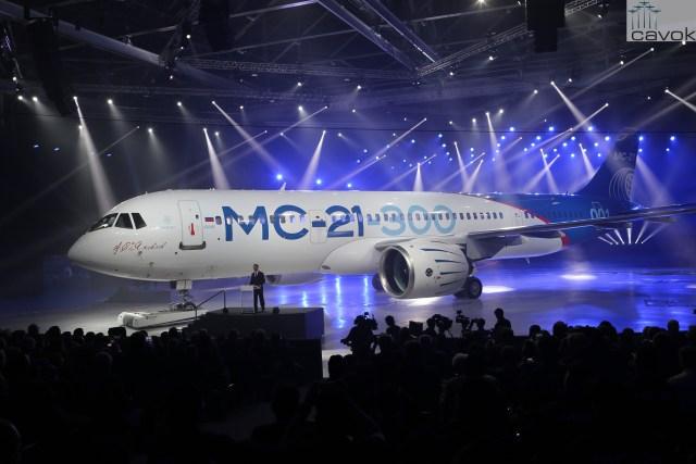 Rússia apresenta oficialmente o jato comercial MC-21 (4)