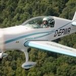 Novo motor de aviação elétrico da Siemens realiza importante voo em um Extra 330LE