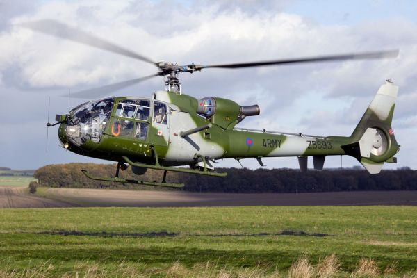 Um helicópteroWestland Gazelle AH.1 do Army Air Corps do Reino Unido.