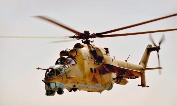 Um helicóptero Mi-35 do Exército Afegão. (Foto: U.S. Air Force /  Staff Sgt. Angelita Lawrence/Released)