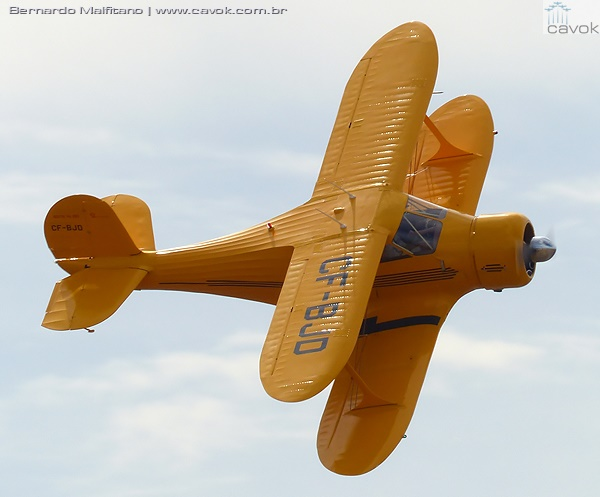 Belíssimo Beechcraft Staggerwind. (Foto: Bernardo Malfitano / Cavok)