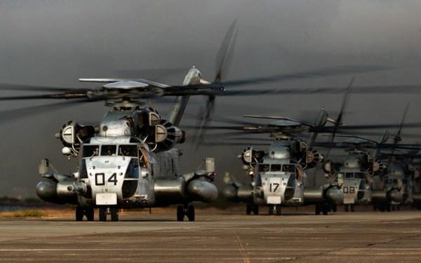 O Corpo de Fuzileiros Navais dos EUA vai revisar completamente os seus 147 helicópteros CH-53E Super Stallion. (Foto: U.S. Navy)