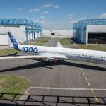 IMAGENS: Airbus A350-1000 sai da linha de pintura