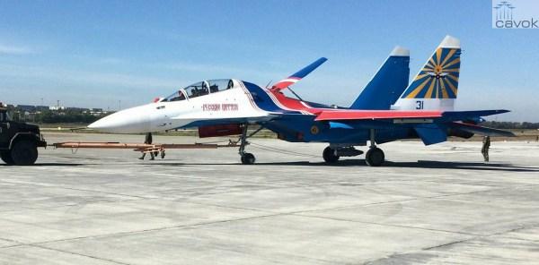 "O primeiro jato Su-30SN nas cores dos ""Russian Knights"". (Foto: Irkut)"