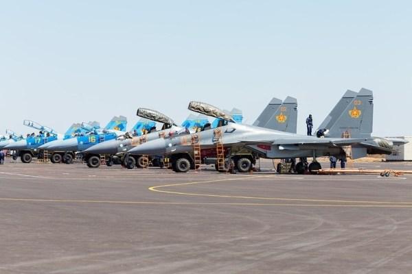Dois novos caças Su-30SM chegaram no Cazaquistão, elevando o número de caças do tipo para seis. (Foto: Yestay Manasbayev / Russian Planes)