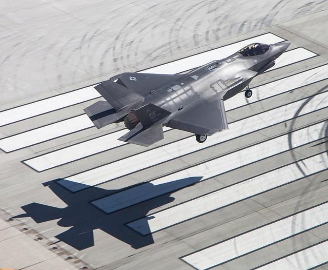 A Lockheed Martin se comprometeu a transferir tecnologias para o desenvolvimento do KF-X. (Foto: Tom Reynolds / Lockheed Martin)