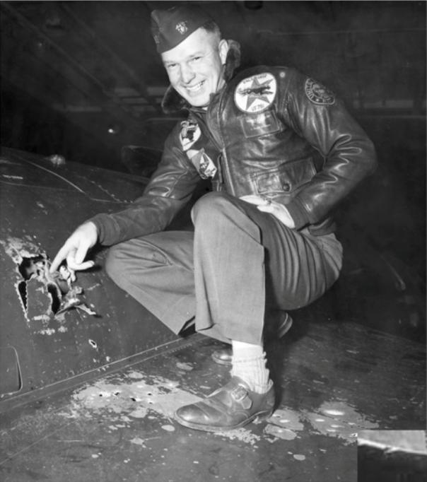 Royce Williams e seu F9F-5 Panther.