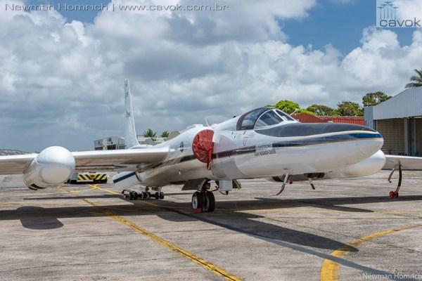 O avião Lockheed ER-2 da NASA, visto no sábado no Aeroporto Internacional de Guararapes, em Recife. (Foto: Newman Homrich / Cavok)
