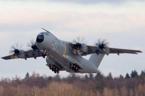 A Força Aérea da Alemanha já recebeu 5 aeronaves A400M, mas nenhuma com sistema de auto-proteção.