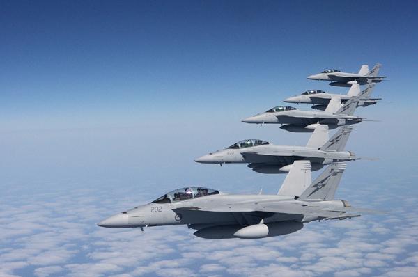 A Real Força Aérea Australiana (RAAF) já opera com caças F/A-18F Super Hornets. (Foto: RAAF)