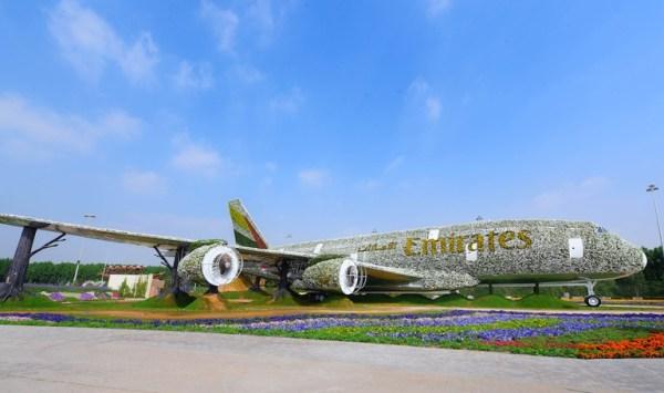 A gigantesca instalação de flores do A380 no Dubai Miracle Garden. (Foto: Emirates)