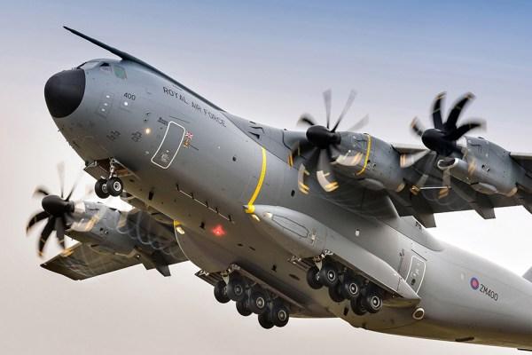 A400M durante decolagem. Foto: RAF