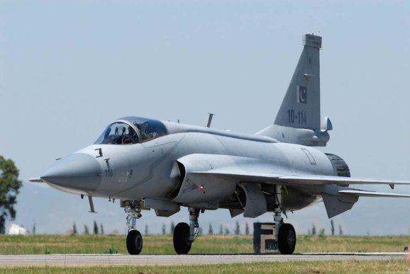 JF-17 paquistanês. Foto: Patrick Hoeveler