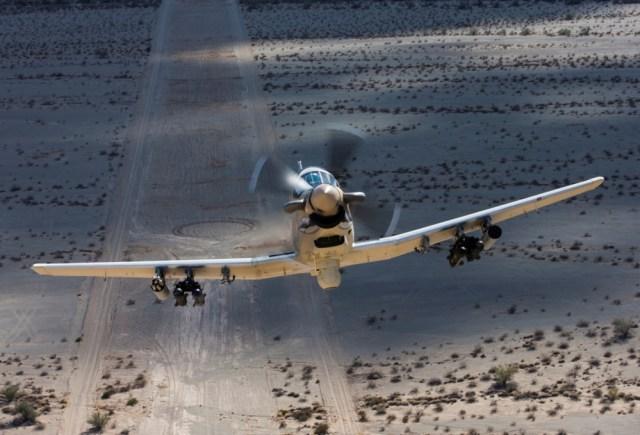 As aeronaves T-6C+ Texan II seriam usadas pela Força Aérea Argentina para treinamento e policiamento aéreo.