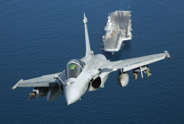 3576273025 600x406 - Marinha da Índia abre competição para compra de novo caça embarcado