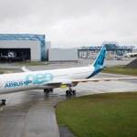IMAGENS: Primeiro Airbus A330neo deixa o hangar de pintura