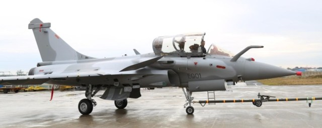 Rafale EQ01 - Rafales EQ/DQ do Qatar vão receber camuflagem em dois tons