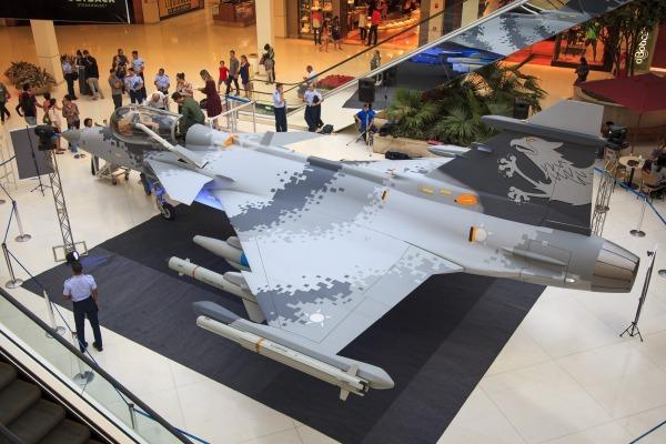 i1741113211559891 600x400 - Réplica do Gripen NG será exposta no Rio de Janeiro