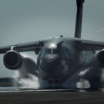 VÍDEO: KC-390 passa por teste de Water Spray