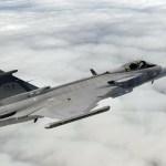Caça Gripen E realiza segundo voo de teste