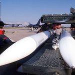 Raytheon com problemas para desenvolver um novo processador de sinal para o AIM-120