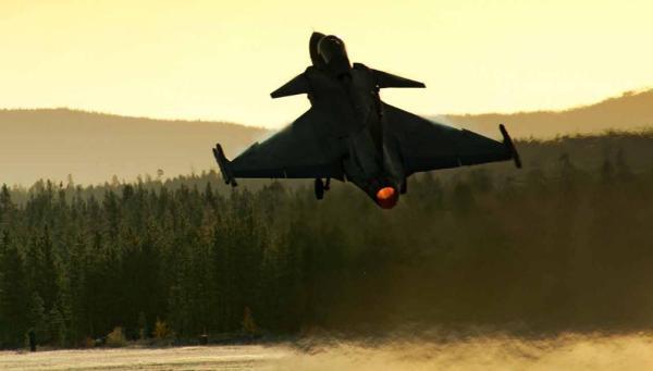 Gripen decolando foto Saab 600x341 - DCTA realiza 3ª Reunião de Gerenciamento do Acordo de Compensação (Offset) do F-X2