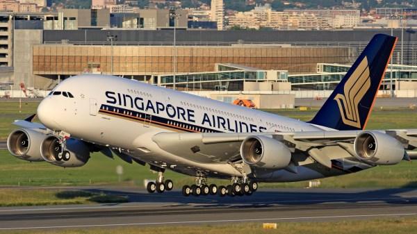 A380 Singapore 600x337 - Primeiro Airbus A380 entregue é retirado de serviço e busca novo operador
