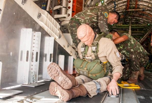 1506429108 001 600x408 - Exército Brasileiro divulga as imagens dos testes com o KC-390
